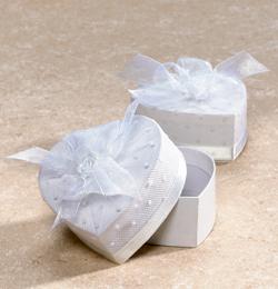Darčeková krabička - v tvare srdiečka, papierová, biela