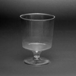 Umelohmotný pohár na víno
